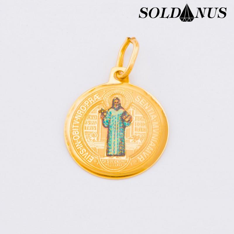Zlatý prívesok medailón