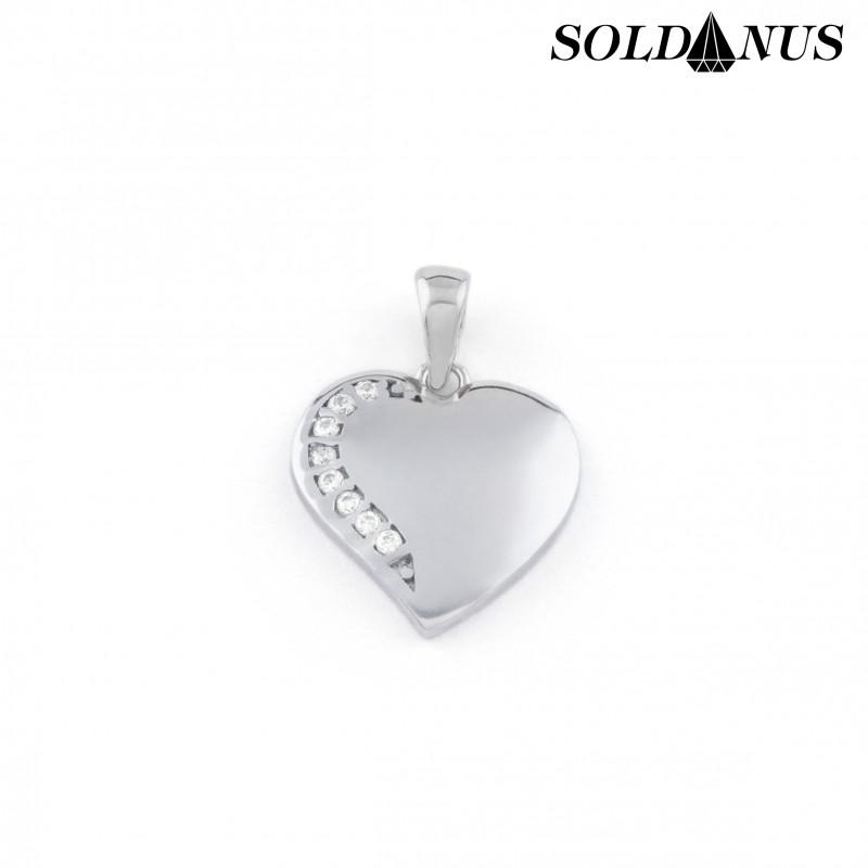 Zlatý prívesok srdce z bieleho zlata vykladaný zirkónmi