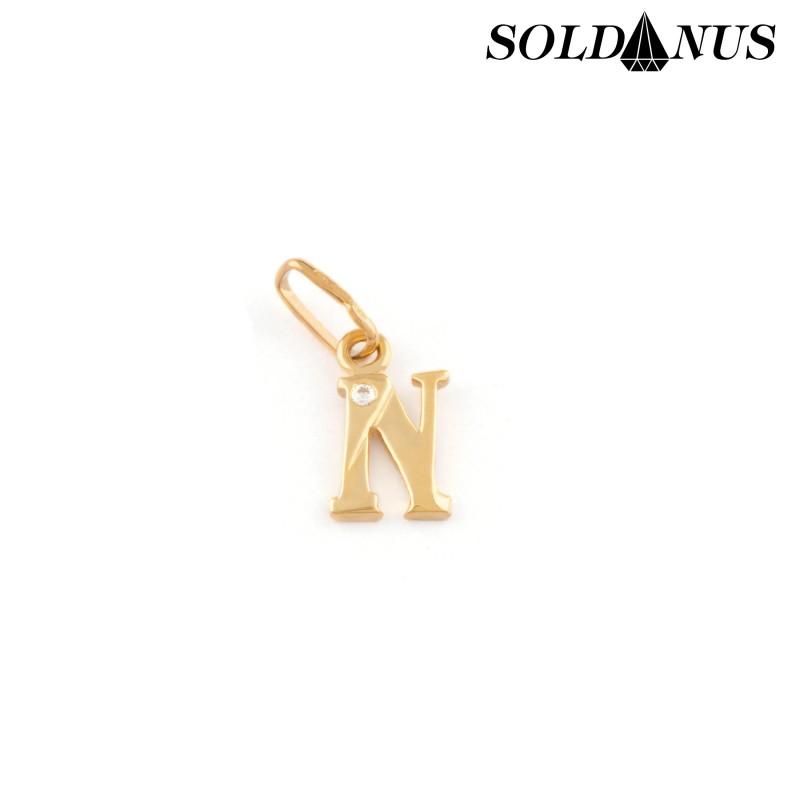 Zlatý prívesok písmeno N