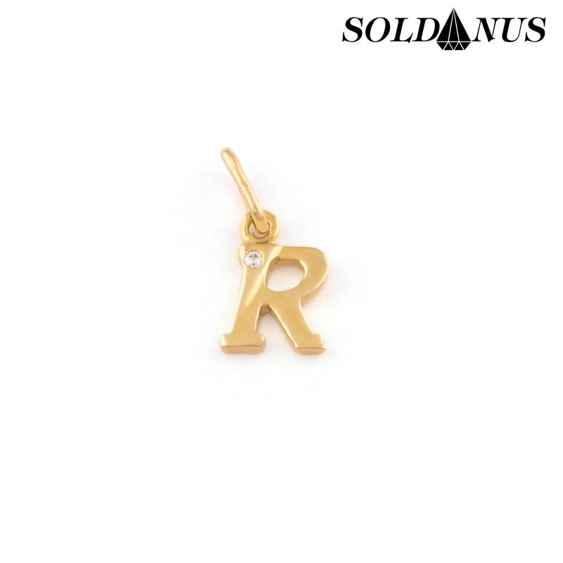 Zlatý prívesok písmeno R