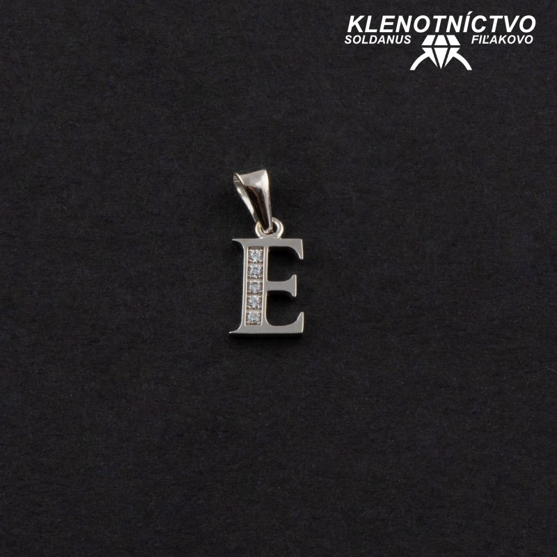 Zlatý prívesok písmeno E