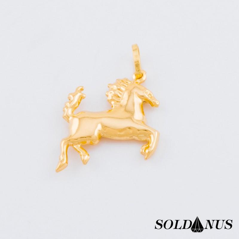 Zlatý prívesok koník