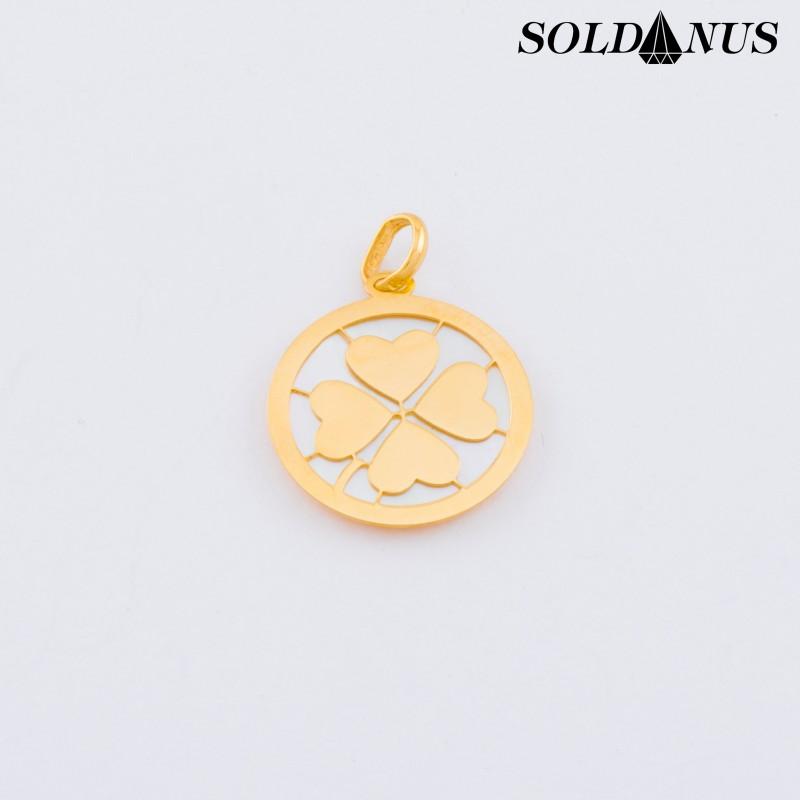 Zlatý prívesok štvorlístok