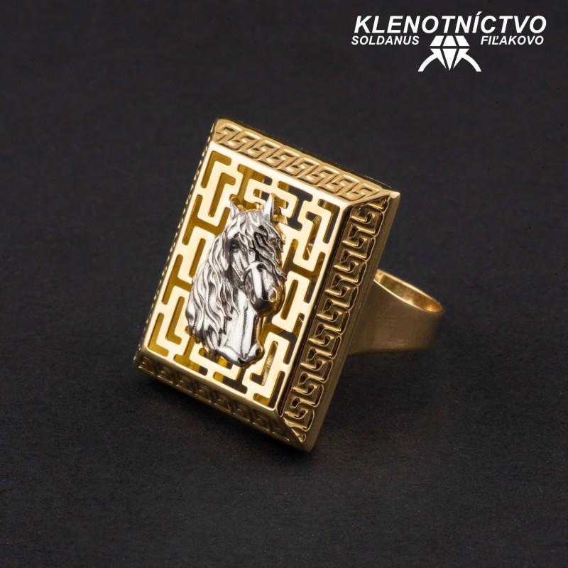 Zlatý prsteň dvojfarebný antický vzor s koňom 65mm